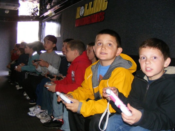 Kids birthday party in our Chicago video game bus